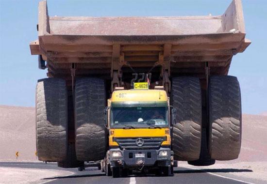 Mercedes Semi-Tractor