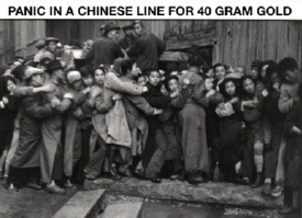 Panic in Chinese Line for 40 Gram Gold